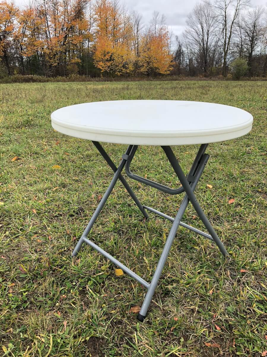 32″ Round Table