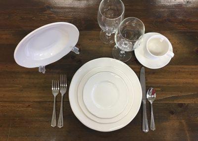 White Round Dinnerware