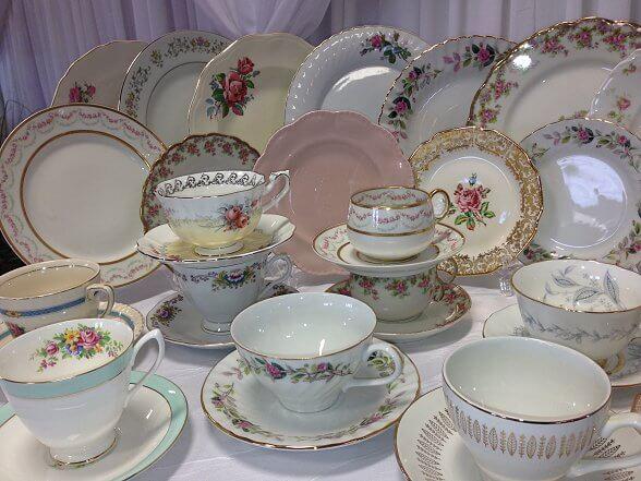 Vintage Dinner Plates,  Side Plates & Teacups