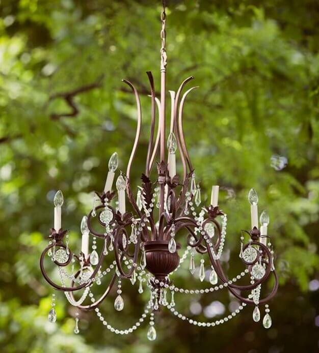 Rustic Chandelier: Rustic Charm