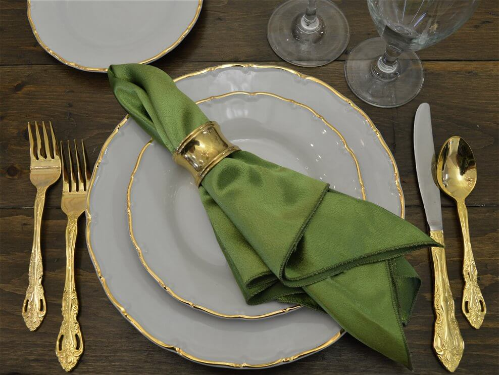 Gold Rim Snowdrop Dinnerware