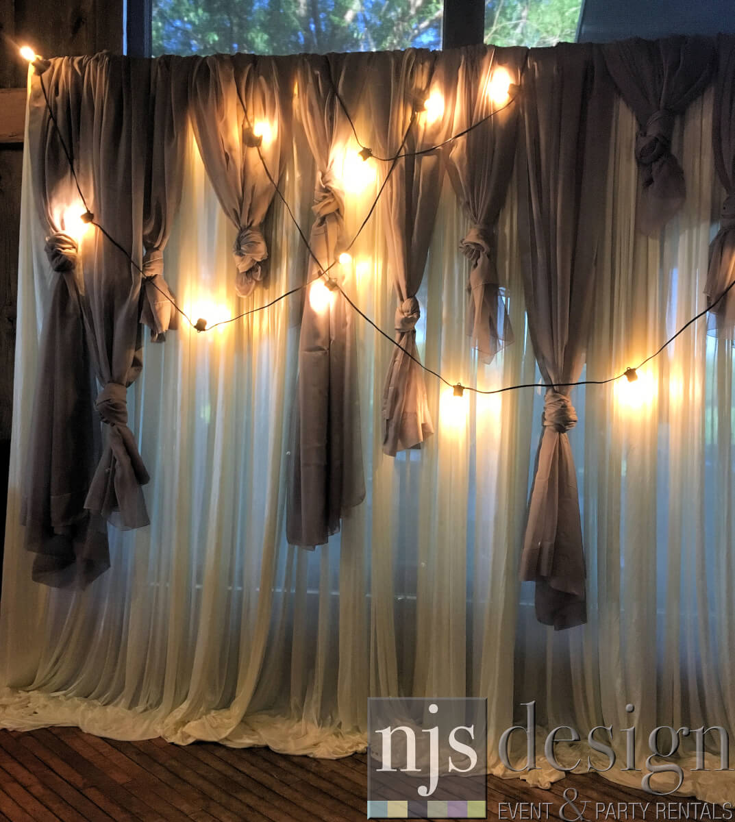 Rustic Knotted Backdrop