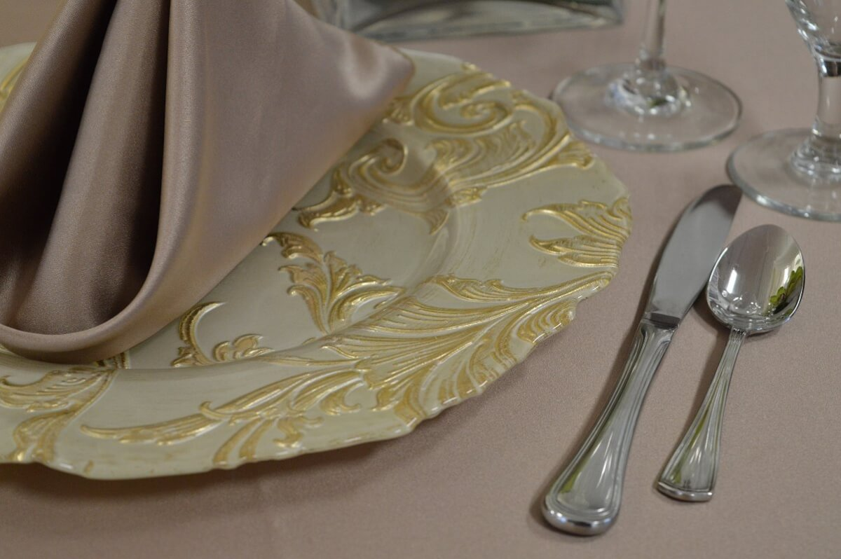 Gold Elegance Charger Plate
